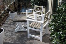 Tuinmeubelen / Wij hebben een leuk aanbod van mogelijkheden om uw tuin te decoreren met prachtige meubilair van steigerhout. Steigerhout is een houtsoort met een eigen karakter, maar wel een karakter die zich aanpast aan uw style en omgeving. Bezoek onze webshop www.yambee.nl voor meer leuke tuinmeubelen!