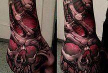 hand tattoo skelett