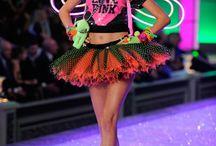 Victoria Secret Fashion Show 2011 - PINK