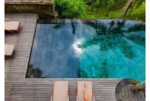 Tropical Pools / Tropical swimming pool design ideas.