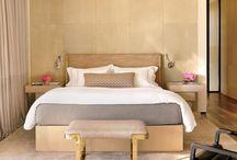 Dormitorios / Aunque tenga cama de matrimonio, lo elijo para mi sola. / by chusa5