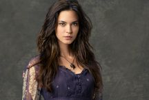 ID • Odette Annable
