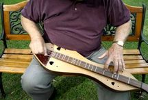 Mountain Dulcimer / Listen and learn how to play songs on the mountain dulcimer.