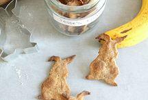 Dog / cat treats & cookies • Friandises & gâteaux pour chiens / chats