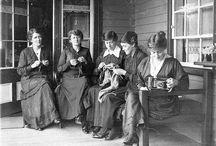 Vintage war knitting