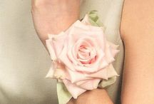 wrist corsages for women/rannekukat yms
