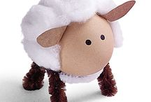 Idee per una Buona Pasqua! / E' ora di prepararsi alla Pasqua! Crea delle decorazioni e abbellisci la casa e la tavola. Realizza, con l'aiuto del tuo bambino, dei deliziosi biglietti di aguri per parenti e amici. Inizia a pensare anche al menù: prova la pecorella di marzapane come dessert oppure scegli un dolce meno tradizionale! Aggiungi a questo board tutte le idee per Pasqua! http://quimamme.leiweb.it/famiglia/tempo-libero/occasioni-speciali/articoli-2012/idee-pasqua-30575672972.shtml / by QuiMamme