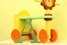 Letras infantiles vintage / Letras decorativas infantiles, fabricadas en madera de pino y acabadas con efecto vintage. Elige la inicial o crea un nombre con diferentes estilos, tipografías y colores.