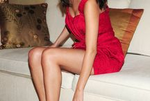 selena gomez legs&feet