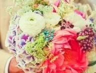 Flowers / Arrangements and ideas / by Jocelyn Boddie