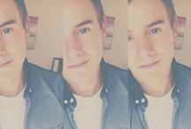 ⓕⓡⓐⓝⓣⓐⓢⓣⓘⓒⓢ / Connor. Connor. Connor please. Haha fangirl with us<3 feel free to invite anyone who loves Connor! Follow me and I'll add you if you ask!