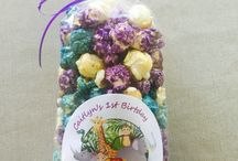 Baby shower / Gourmet popcorn favors for baby showers