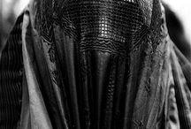 BURKA,...csador,...NIGÁB,...hijáb,...ABAYA. / közel-Kelet női viseletek, tradicionális muszlim hagyományok....