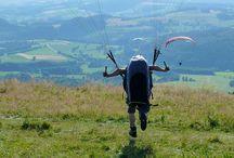 Kurse Wasserkuppe / Gleitschirmfliegen lernen auf der Wasserkuppe mit Papillon Paragliding, Deutschlands beliebtester Flugschule! Jeden Samstag Kursbeginn für Einsteiger.