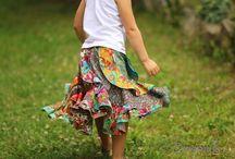 Dlouhé sukně / Inspirace pro dlouhé sukně, dočetla jsem se totiž, že podporují naše ženství, tak je asi vezmu na milost :-)