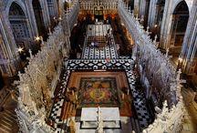Igrejas , altares etc