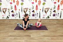 Kids & baby & hatha yoga / Over yogahoudingen, spelletjes, massages, dans en meer :)