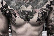 Τατουάζ στο στήθος