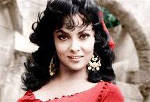 """GINA  LOLLOBRIGIDA / Luigina """"Gina"""" Lollobrigida (* 4. Juli 1927 in Subiaco, Italien) ist eine italienische Schauspielerin, Fotografin und Bildhauerin"""