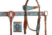 Horse accessories ❤️ / bridal, halters, tack ect.