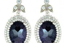 Küpe / Earrings / Aynısı sadece eşinde olan küpe modelleri ve en çok satılan, popüler küpe çeşitleri YES Jewels 'de bu kategoride sizi bekliyor.