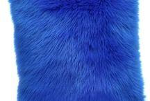 Poduszka dekoracyjna CZUPER niebieski/Faux fur pillow CZUPER blue / Poduszka dekoracyjna CZUPER niebieski/Faux fur pillow CZUPER blue