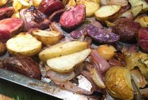 Roasted Potatoes with Rosemary, Red Onions & Garlic / Roasted Potatoes with Rosemary KITCHEN WISDOM GLUTEN FREE  http://kitchenwisdomglutenfree.com/2014/10/18/roasted-potatoes-with-rosemary-red-onions-garlic-gluten-free-forget-what-you-know-about-wheatc-2014/