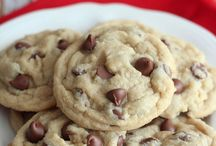 Cookie Recipes / Do you love chocolate chip cookies? Find a ton of great recipes for cookies here.