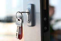 מנעולן בגבעתיים / פורץ דלתות בגבעתיים יתקן לכם בעיות שקשורות למנעולים ודלתות באזור גבעתיים במהירות וביעילות