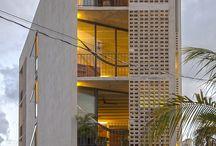 Architects Metroblocksas / Diseños de calados prefabricados en concretos dando iluminación natural a espacios abiertos.