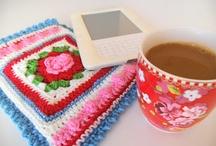 ♡ hoesjes haken / crochet covers /  gehaakte hoesjes voor telefoons, tablets en notebooks en kopjes