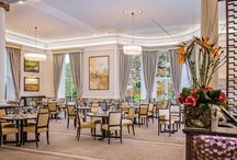 Mulberry Restaurant / Mulberry Restaurant at Oatlands Park Hotel