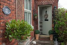 Front porch ideas / by Fiona Thurley