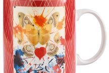 Salvador Dali / Salvador Dali, have inspired the new gifts and homewares in the debut Hallmark Fine Artists Collection by Enesco. Some of Dali's work created for Hallmark was briefly published in the late 1940's and late 1950's. Today, Hallmark archives holds examples of his art including Butterfly, Kneeling Woman and Extravaganza which can now be enjoyed as beautiful gifts through the Fine Artists Collection.  Each item comes in an attractive gift box combining the three designs.