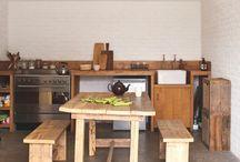 *Farmhouse   Maison de campagne* / Inspirations pour maisons de campagne : matériaux, couleurs, salle de bains, cuisine, chambre, agencements, cheminée, mobilier et textile. Intérieur cosy et campagne chic.