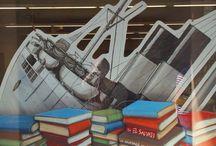 APARADOR 7 - Els Garcia Llorca de la Barceloneta, abril - setembre 2015 / Aparador inspirat en l'imaginari literari de l'escriptor Antoni Garcia Llorca. Interpretació plàstica realitzada pel seu germà David Garcia Llorca (Constructors de fantasies) a la Biblioteca Barceloneta-La Fraternitat.