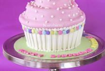 Giant cupcakes / Giant cupcakes, cupcake cake, giant cupcake