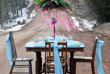 Table Settings / by Laura Neil