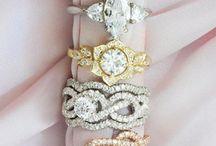 Bijoux et Accessoires / Alliances , bagues de fiançailles, barrettes, couronnes ...