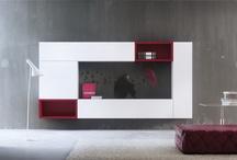 Praq-Tik / ARLEX presenta la Colección Praq-tik, un diseño de Josep Turell para ARLEX Home de estilo minimalista y funcional que obvia elementos ornamentales o formales innecesarios. La colección presenta una creativa composición de elementos básicos, que permite multitud de combinaciones en función del espacio disponible, la funcionalidad requerida y la estética deseada.