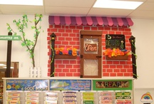 Smart-Fab United Art & Education Contest / We partnered with United Art & Education for a fun contest throughout their stores - who can create the BEST and most CREATIVE Smart Fab Display? Who do YOU think won?