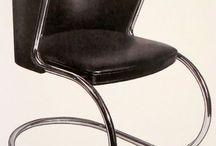 """B A U H A U S / Fundada en Weimar, Alemania 1919-25, luego Dessau 1925-32, Berlin 1932-33, cerrada por los nazis. Unió Bellas artes y Artes y oficios. Sentó las bases para el diseño industrial y gráfico Fue escuela de artesanía, diseño, arte, arquitectura """"la forma sigue a la función"""" Dir 1919-27: Walter Gropius, fund 1927-30: Hans Meyer 1930-33: Mies van de Rohe Más de 1500 edificios de """"estilo internacional"""" en Tel Aviv, hay alli mas edificio Bauhaus László Moholy-Nagy funda en 1937 New Bauhaus en San F.co"""