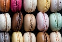 Macarons / Lovely afternoons are made of café au lait and french macarons!