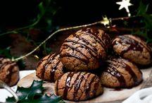 biscuits, cookies