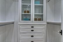 Closets / Dream closets and organization tips for clothing.