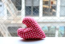 Confetti Dots / Everyday in August we'll be revealing a new Confetti Dot color. Follow along here to see! / by Dear Stella