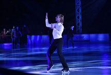 """Kings On Ice. Tribute to Chopin / PGE Narodowy zamienił się na jeden wieczór w stolicę łyżwiarstwa! Zobacz, jak wyglądała rewia """"Kings on Ice. Tribute to Chopin""""."""