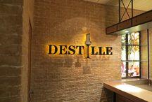 Fotos Wandgestaltung Kreuzfahrtschiff AidaStella / Hier finden Sie Fotos von den Wandverkleidung in der Vinothek, Distille, Body and Soul, Treppenhaus und in der Wellness-Oase