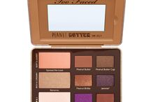 Peanut Butter and Jelly Eye Shadow Collection / Inspired by the social media sensation that is Peanut Butter from our bestselling Semi-Sweet Chocolate Bar Collection, we created this peanut butter palette of nine gorgeous matte and shimmer shades featuring antioxidant-rich cocoa powder with a creamy peanut butter twist! Includes our signature Glamour Guide with three looks to get you started.
