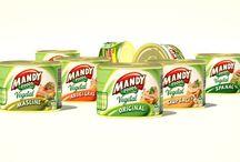 Vegetal / Când e vorba de o gustare uşoară şi delicioasă, gama variată a pateurilor Mandy este soluţia. Sunt fine, uşor de întins şi atât de variate, încât nu există stare de spirit care să nu se potrivească cu vreunul dintre ele.